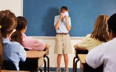 چرایی و راههای درمان خجالت در کودکان و نوجوانان