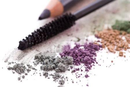 ترفندهای آرایش برای خانم های بالای پنجاه سال