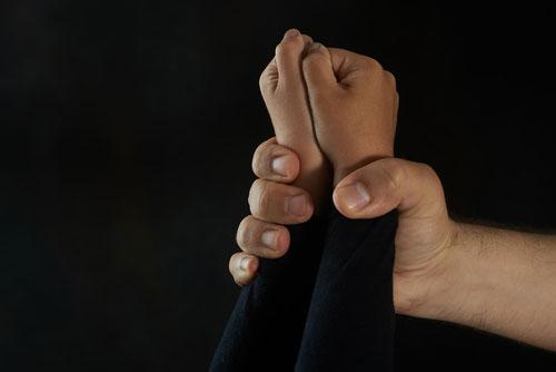 از سوءاستفاده جنسی کودکان جلوگیری کنیم