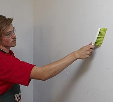 ساده ترین راه ها برای تمیز کردن دیوار منزل!
