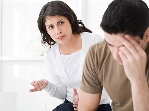 اشتباهاتی که زنان در مقابل مردان مرتکب میشوند