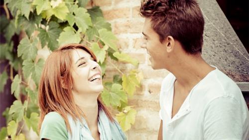 ۱۰ موضوع گفتگو با عشقتان وقتی حرفی برای گفتن ندارید