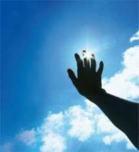 دور از نور آفتاب باشید تا دیرتر پیر شوید