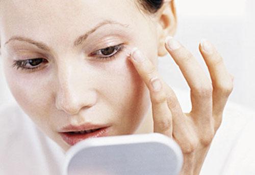 درمان افتادگی چشم چیست؟