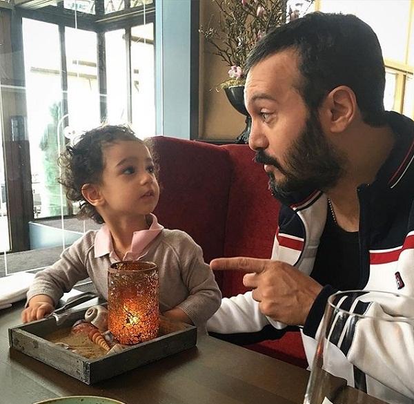 جدیدترین عکس کامبیز دیرباز و دخترش