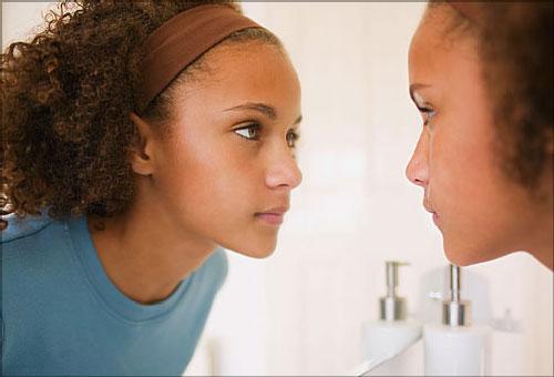 افرادی که با خود صحبت می کنند نه تنها دیوانه نیستند، بلکه نابغه اند!