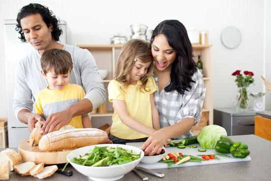ترفندهایی برای آموزش آشپزی به کوچولوها