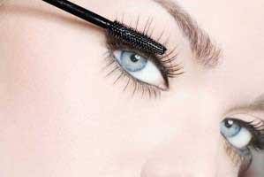 انتخاب کردن ریمل برای داشتن چشمان زیبا