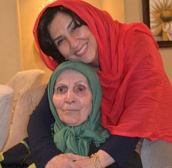 عکس مرجانه گلچین و مادرش