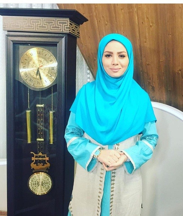 عکس مبینا نصیری مجری
