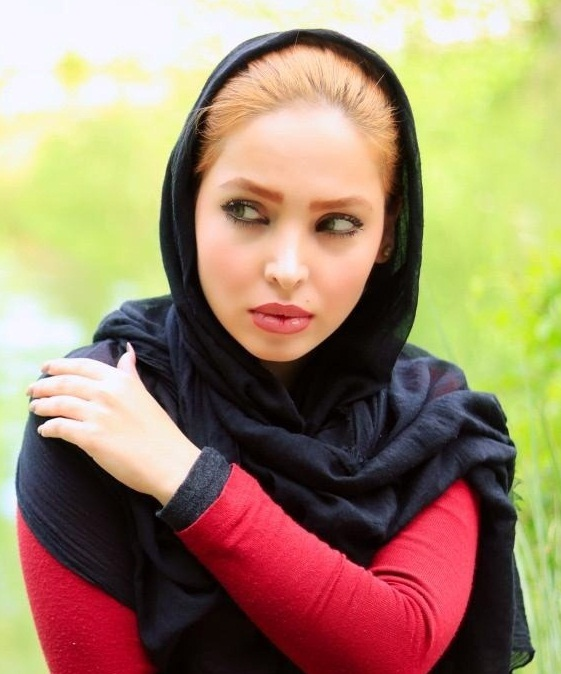 جدیدترین عکسهای آیلین باقری در بهار ۹۵