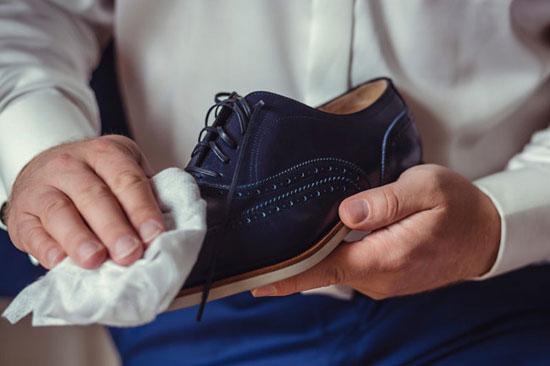 11 ترفند برای بالا بردن عمر کفش هایمان