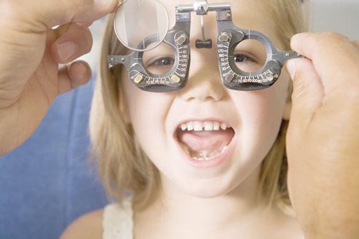 علائم تومور چشمی کودکان چیست؟