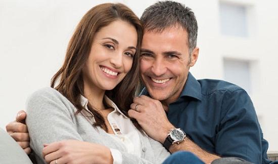 ۱۲ دلیل برای اینکه باید هر شب با همسرتان رابطه جنسی داشته باشید