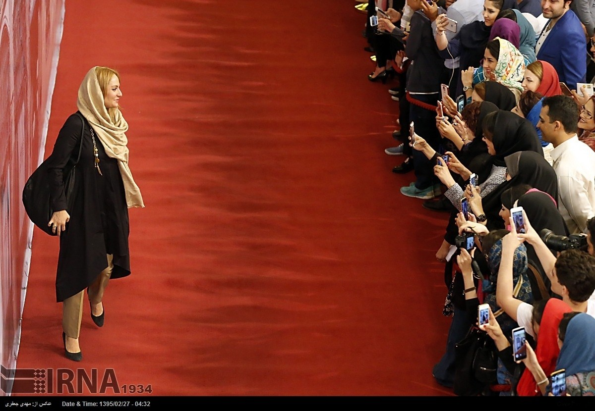 عکس مهناز افشار روی فرش قرمز سریال شهرزاد