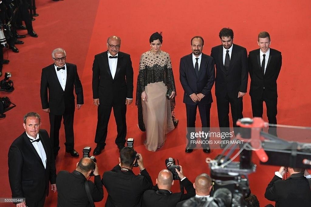 ترانه علیدوستی - اصغر فرهادی و شهاب حسینی روی فرش قرمز