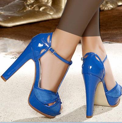 جدیدترین مدلهای کفش پاشنه بلند مجلسی دخترانه سال 95