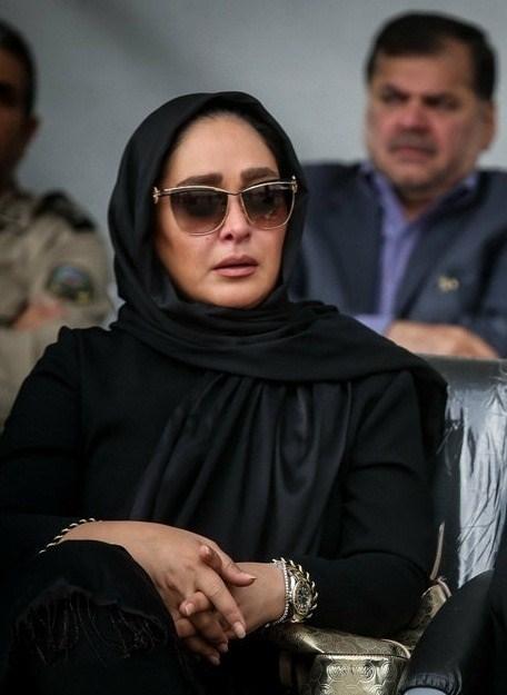 عکسهای الهام حمیدی در تشییع پیکر همسر شهید بابایی