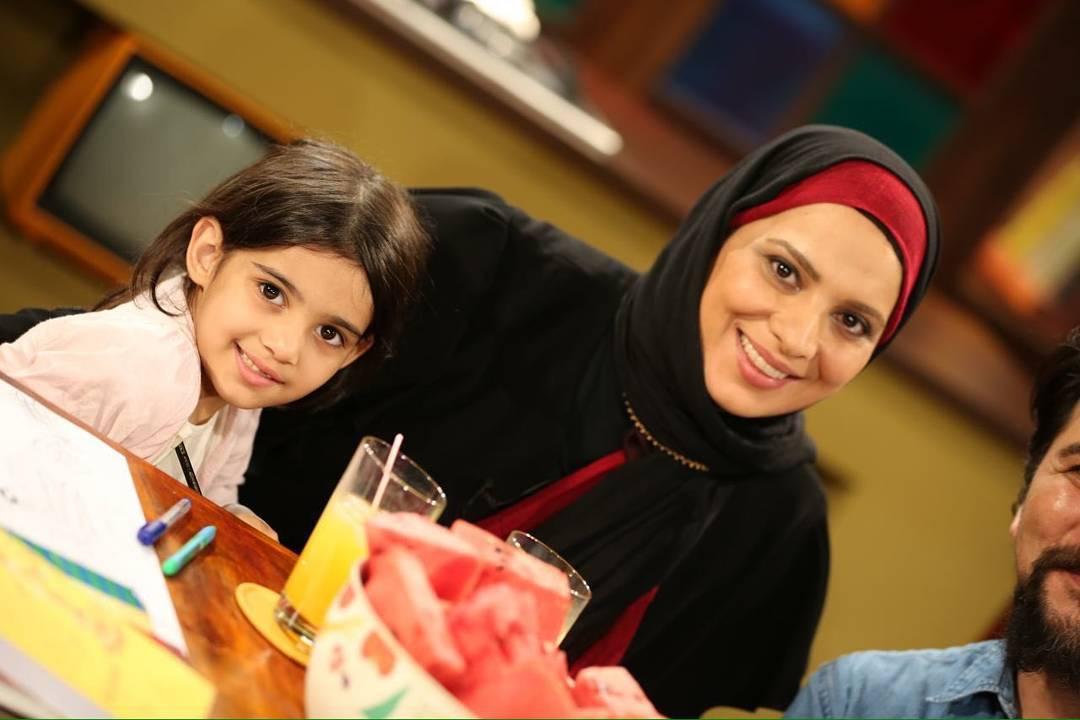 عکسهای روشنک عجمیان با دخترش