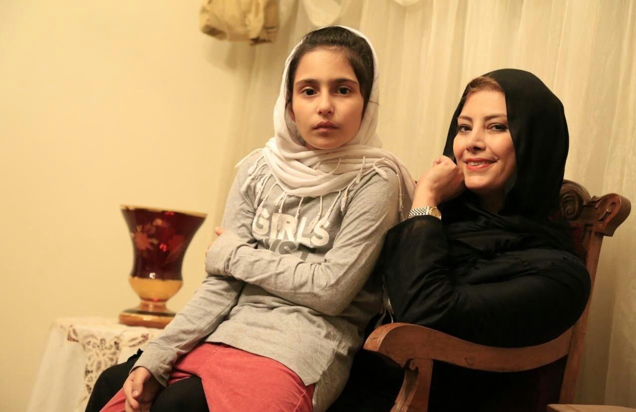 عکس لادن طباطبایی و دخترش سها