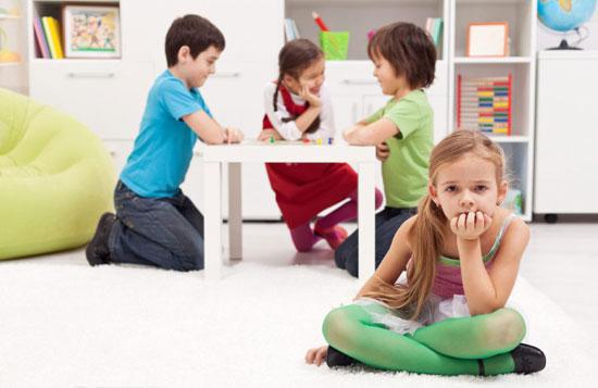 6بازی برای حل مشکل کمرویی کودکان