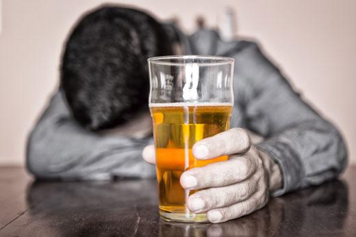 واقعیت های پنهان و آشکار مصرف الکل در ایران