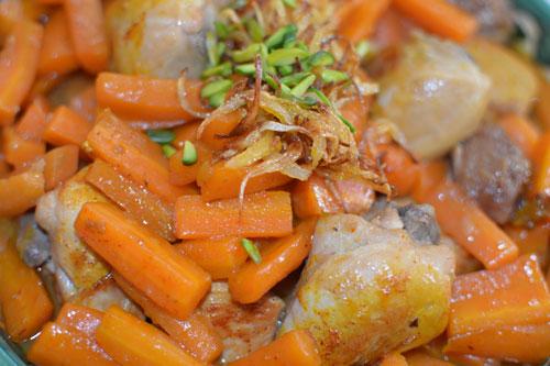 طرز تهیه خورش هویج و پسته