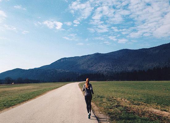 هنگام پیاده روی چه اتفاقاتی در بدن می افتد؟