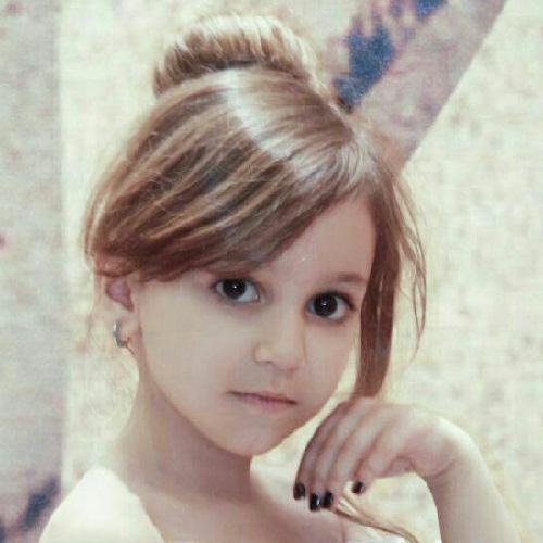 عکسهای آدرینا افشار بازیگر کودک فیلم زیر سقف دودی