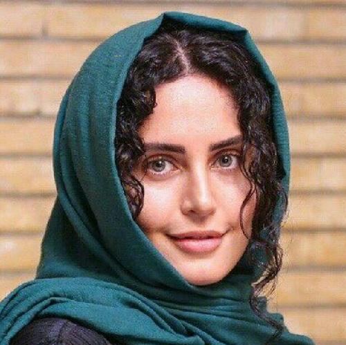 عکسهای الناز شاکردوست در یازدهمین جشن منتقدان و نویسندگان سینمای ایران