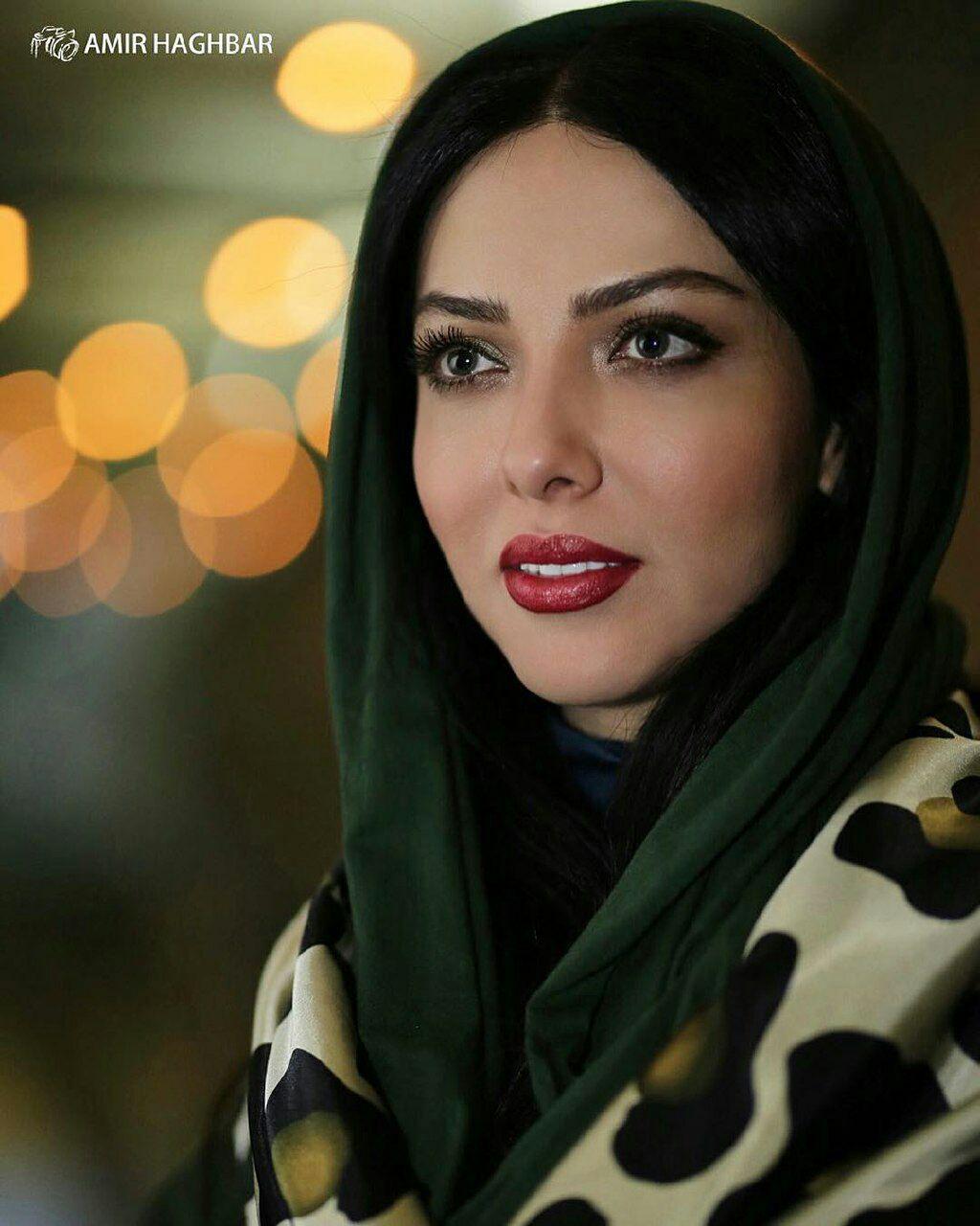 عکسهای لیلا اوتادی در اکران فیلم آپاندیس