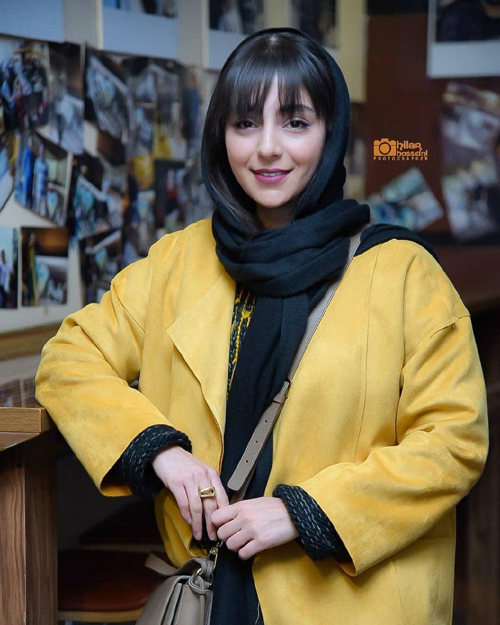 عکسهای هستی مهدوی در اکران فیلم ماجرای نیمروز - رد خون در ۳۷ اُمین جشنواره فیلم فجر