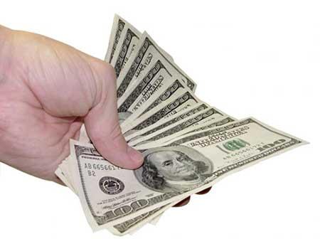 پول چطور میتواند آدم ها را تغییر دهد و بر رفتارشان تاثیر بگذارد؟