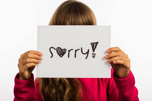 آیا باید کودک خود را به عذرخواهی وادار کنید؟